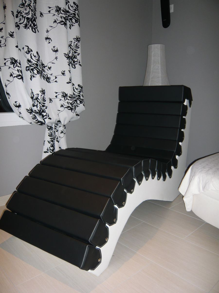 cr ation chaise longue en cuir noir minutie sellerie. Black Bedroom Furniture Sets. Home Design Ideas